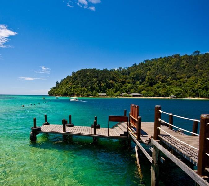 印尼巴厘岛今年外国游客有望破三百万人